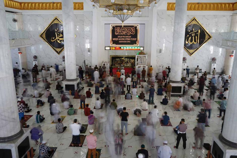 Salat Jumat Awal Ramadan di Masjid Agung Syekh Yusuf-0