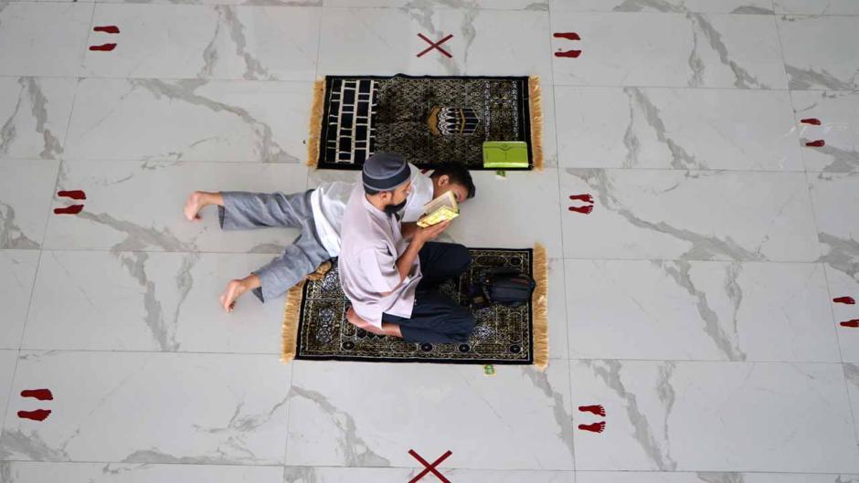 Salat Jumat Awal Ramadan di Masjid Agung Syekh Yusuf-2