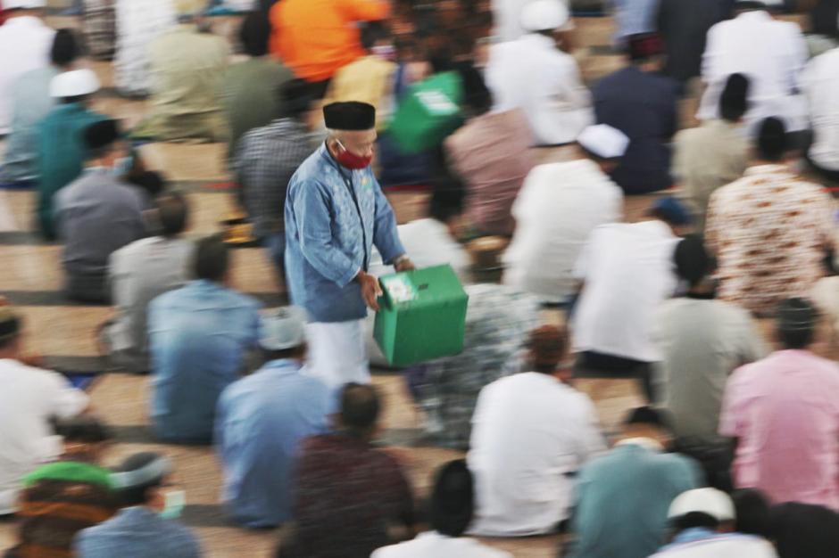 Salat Jumat di Masjid Al Markaz Al Islami-2