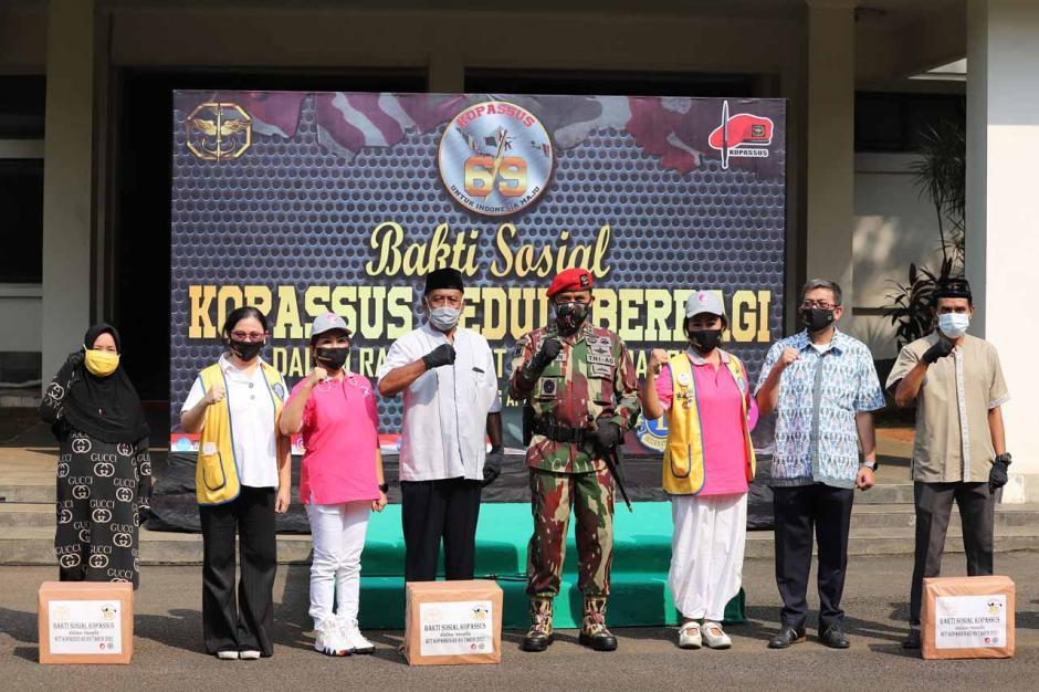 HUT ke-69, Kopassus Bagikan 6.900 Paket Sembako Untuk Warga Binaan-1