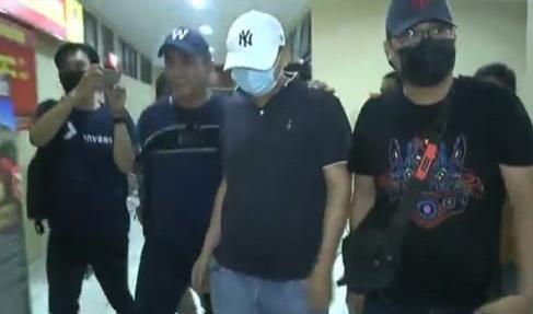 Seperti Ayam Sakit, Begini Tampang Pria Penganiaya Perawat RS Siloam Sriwijaya Saat Dijemput Polisi-5