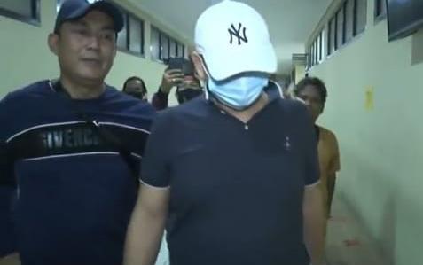 Seperti Ayam Sakit, Begini Tampang Pria Penganiaya Perawat RS Siloam Sriwijaya Saat Dijemput Polisi-4
