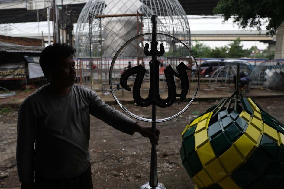 Berkah Ramadan, Pembuatan Kubah Masjid Kebanjiran Pesanan-2