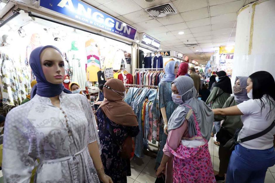 Permintaan Busana Muslim Pasar Tanah Abang Mulai Meningkat-0