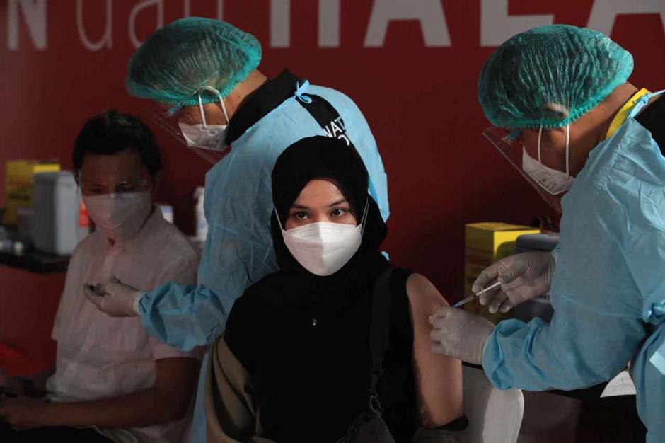 Personel Slank dan Pekerja Seni Jalani Vaksinasi Covid-19-2