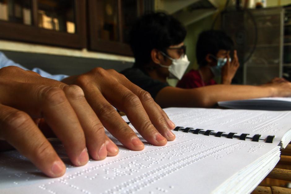 Semangat Penyandang Disabilitas Membaca Alquran Braille di Bulan Ramadhan-1