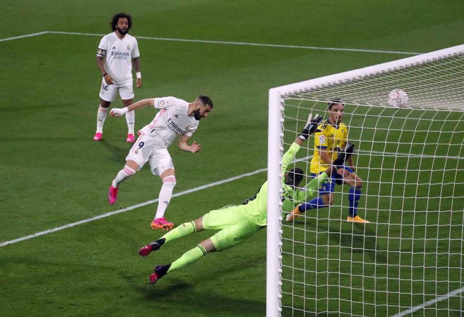 Benamkan Cadiz 3-0, Real Madrid Kembali Kuasai Klasemen-3