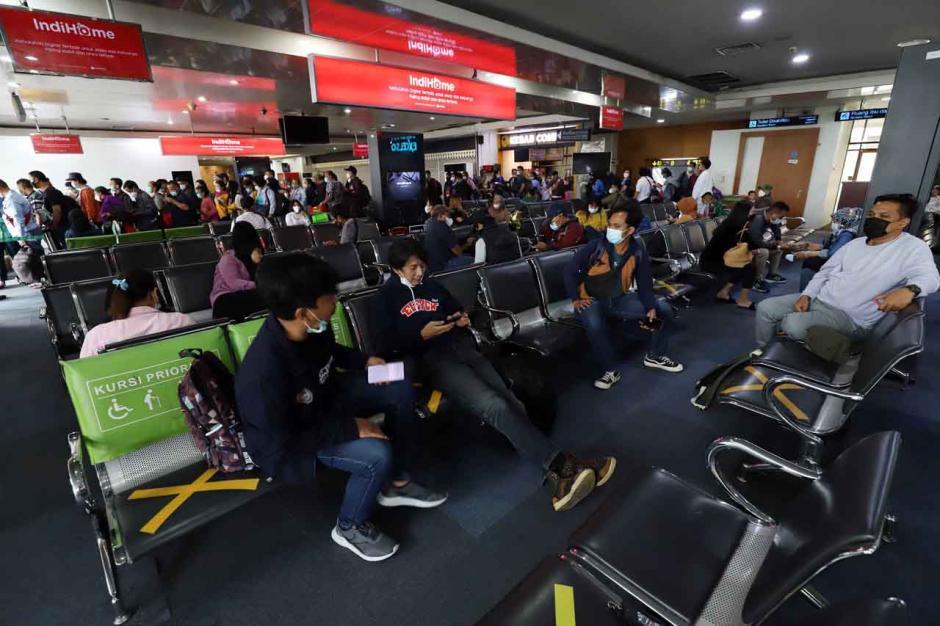 Mudik Dilarang, Maskapai Masih Jual Tiket Penerbangan-2