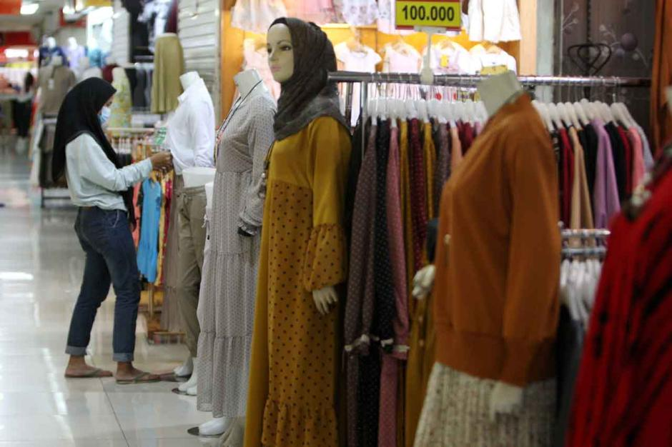Permintaan Busana Muslim Meningkat Jelang Lebaran-0