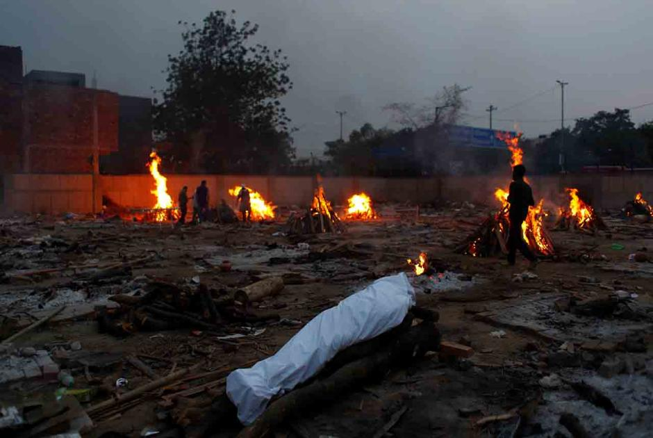 Teror Covid-19 di India Makin Mencekam, Rekor Kasus Baru 401.993 dengan 3.523 Kematian-0