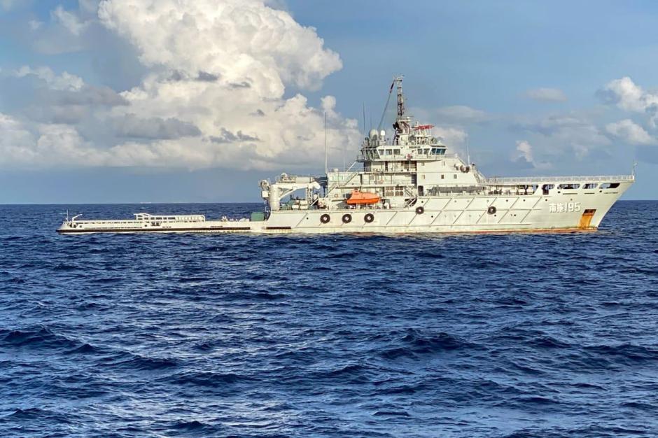 Bantu Evakuasi KRI Nanggala-402, Dua Kapal AL China Tiba di Indonesia-1