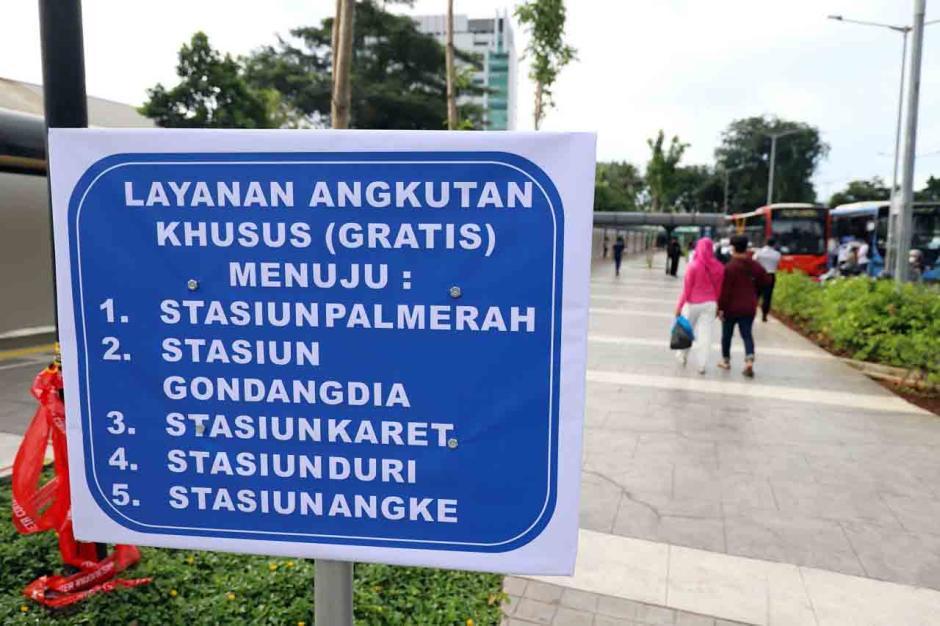 Stasiun Tanah Abang Ditutup, Pemprov DKI Siapkan Bus Gratis untuk Pengguna KRL-3