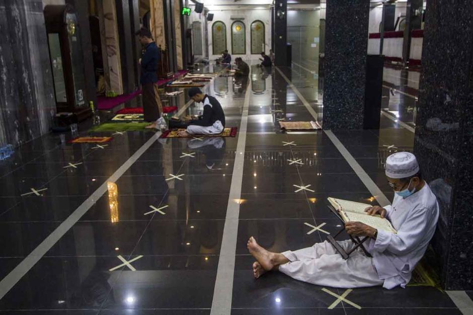 Meraih Kemuliaan Malam 1000 Bulan dengan Beritikaf di Masjid-0