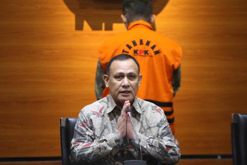 KPK Tahan Eks Pejabat Ditjen Pajak Angin Prayitno-2