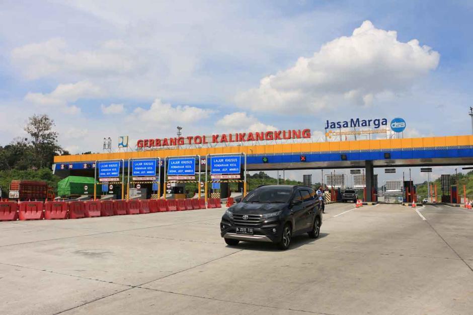 Gubernur Jateng Tinjau Persiapan Penyekatan di Gerbang Tol Kalikangkung Semarang-1