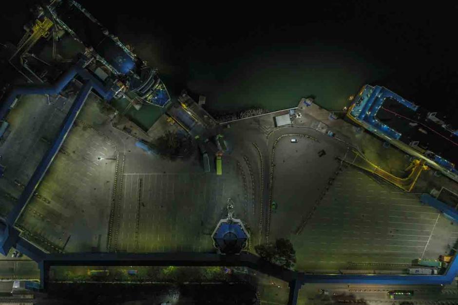 Larangan Mudik Berlaku Hari Ini, Begini Suasana Terkini di Pelabuhan Merak-0
