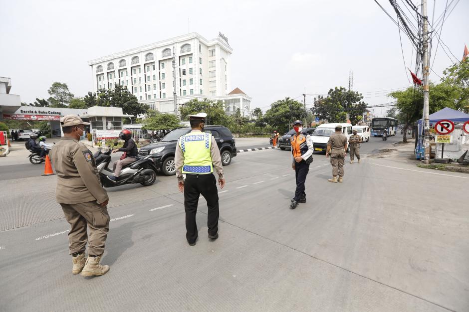 Penyeketan Larangan Mudik di Perbatasan Jakarta-Tangerang-0
