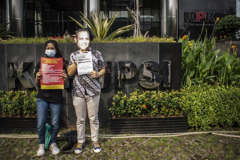 Aksi Koalisi Masyarakat Sipil Antikorupsi-1