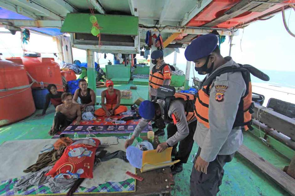Penyekatan Pemudik di Jalur Laut Indramayu-2