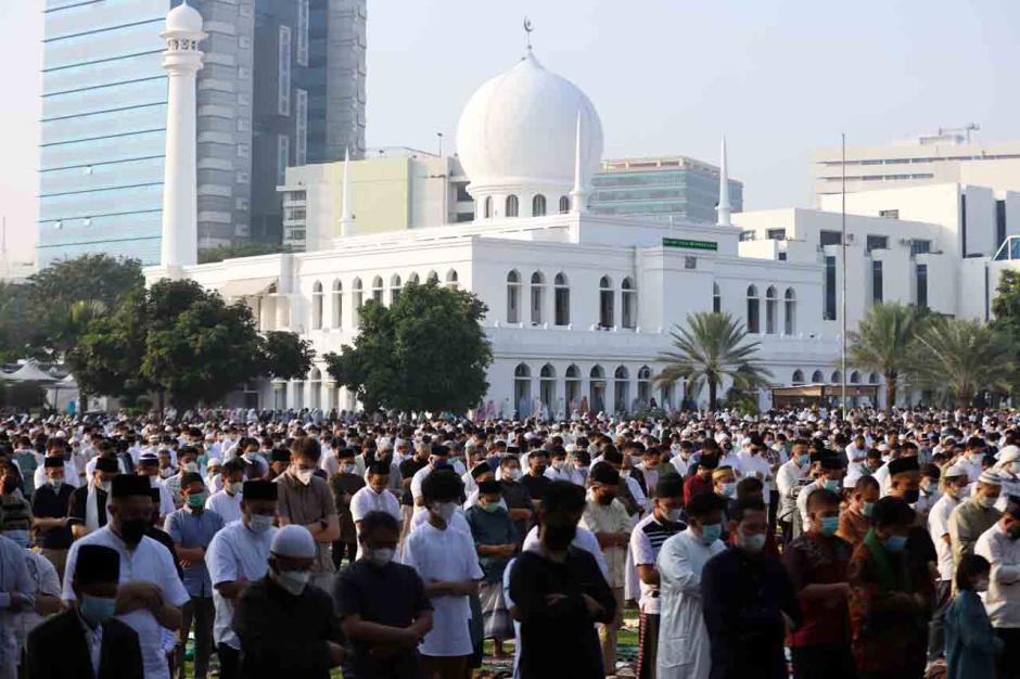 Sholat Ied di Masjid Al Azhar Terapkan Prokes 3M-3