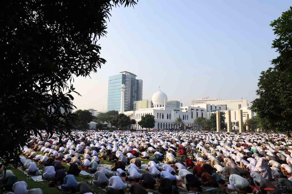 Sholat Ied di Masjid Al Azhar Terapkan Prokes 3M-2