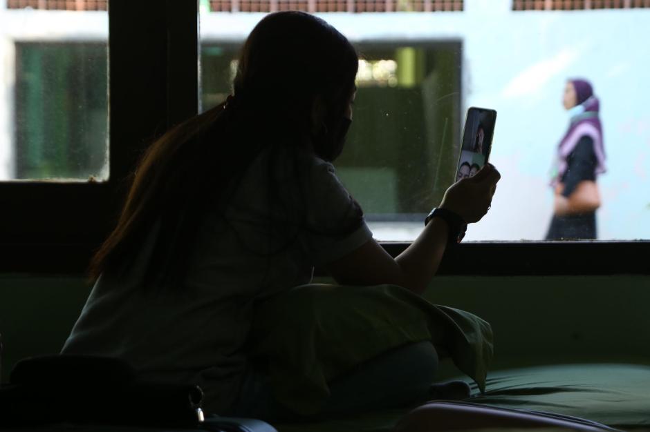 Tertahan di Karantina, Pekerja Migran Berlebaran Lewat Panggilan Video-0
