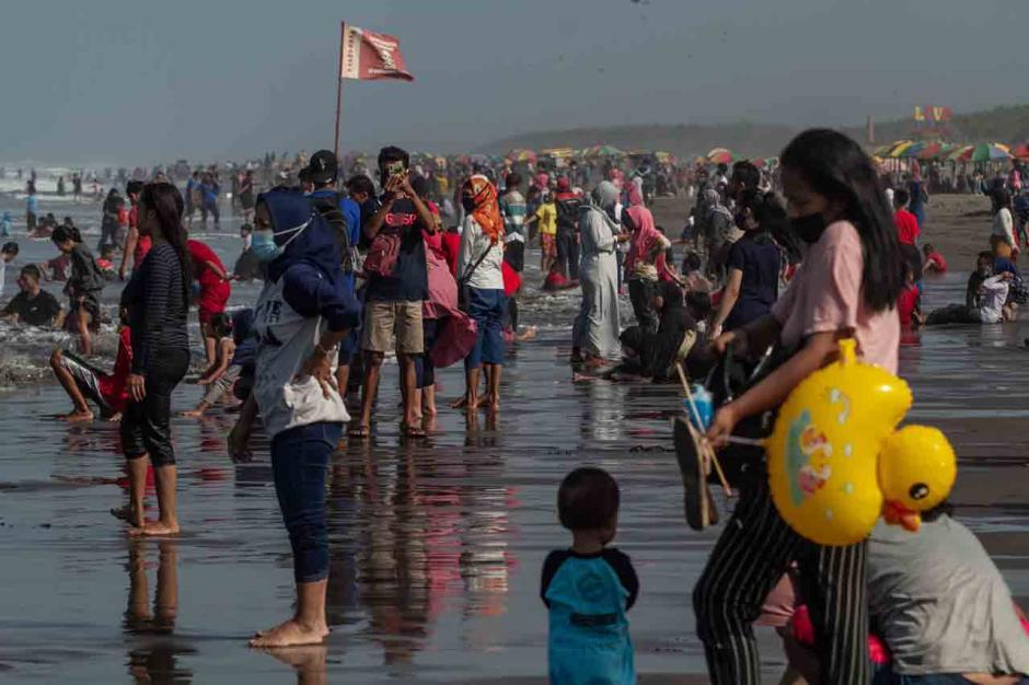 Menghabiskan Sisa Libur Lebaran di Pantai Parangtritis-1