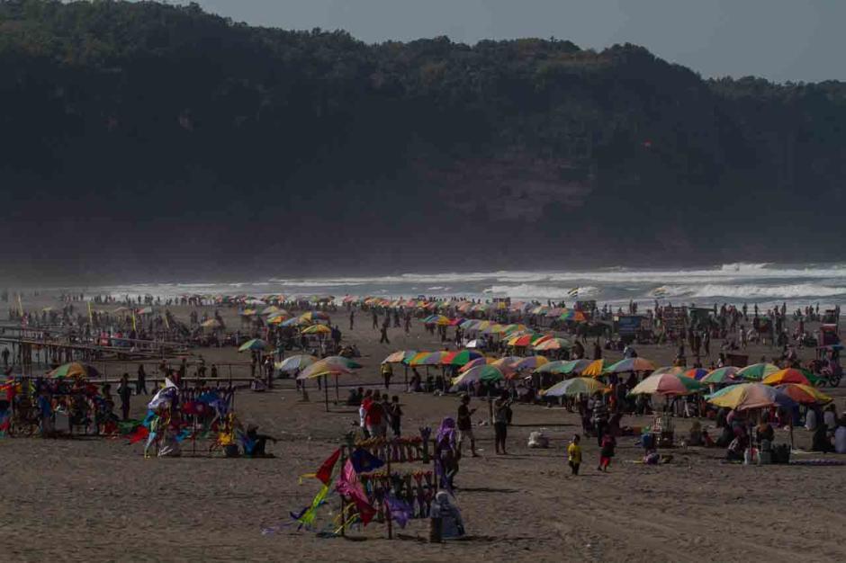 Menghabiskan Sisa Libur Lebaran di Pantai Parangtritis-3