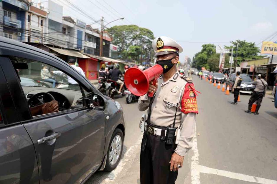 Penyekatan Arus Balik di Jalan Raya Parung-Ciputat-4
