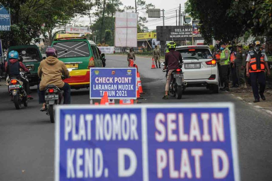Penyekatan Pemudik Saat Arus Balik di Bandung-2