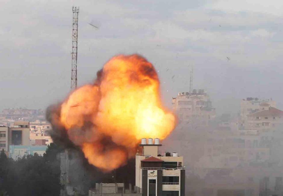 Israel Kembali Bombardir Palestina Pagi Ini-3