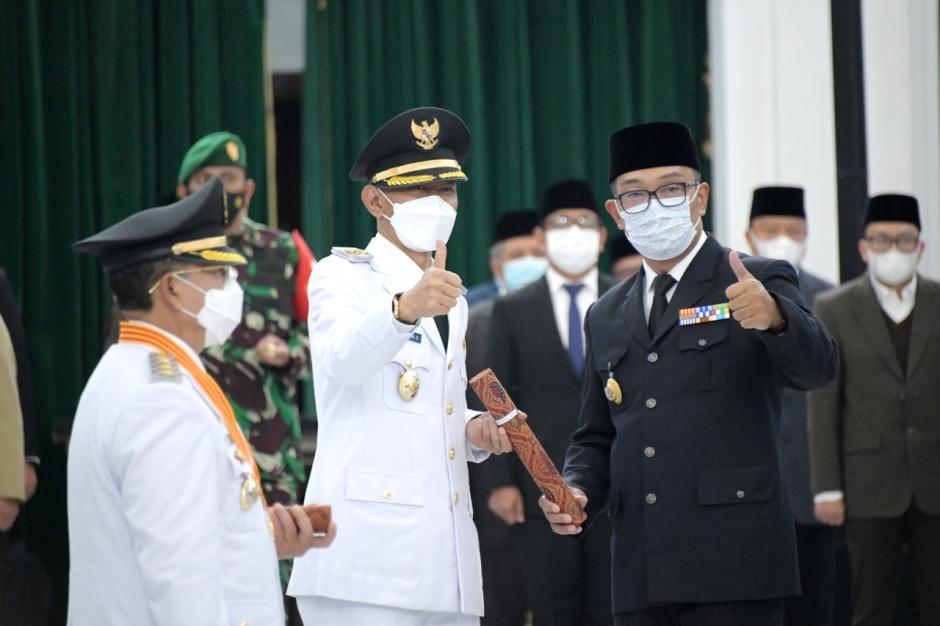 Gubernur Jabar Lantik Bupati dan Wabup Cianjur Terpilih Pilkada Serentak 2020-1