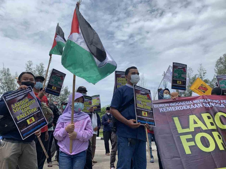 Ratusan Buruh Bekasi Gelar Aksi Bela Palestina-0