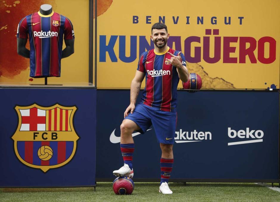 Rela Potong Gaji, Sergio Aguero Gabung Barcelona sampai 2023-4