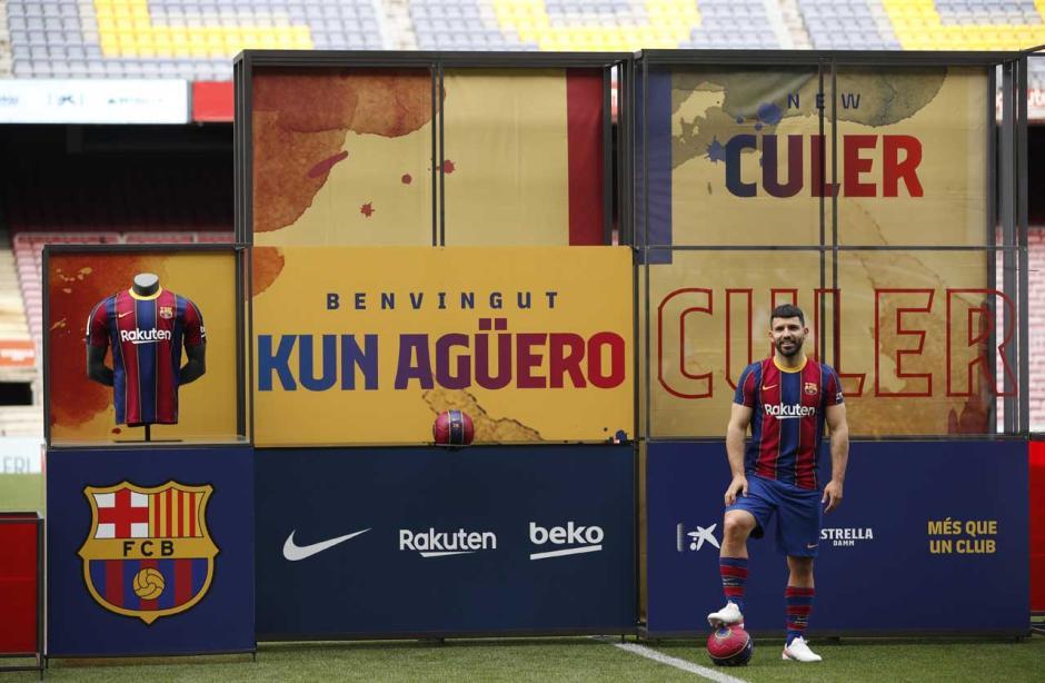 Rela Potong Gaji, Sergio Aguero Gabung Barcelona sampai 2023-3