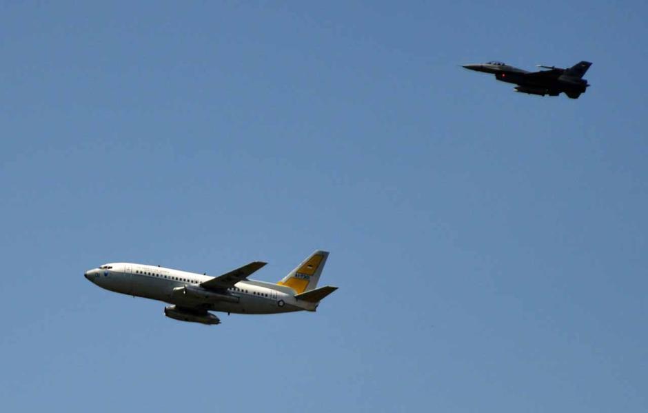 Turunkan Paksa Pesawat Asing, Begini Kemampuan TNI AU Jaga Wilayah Udara Indonesia-2