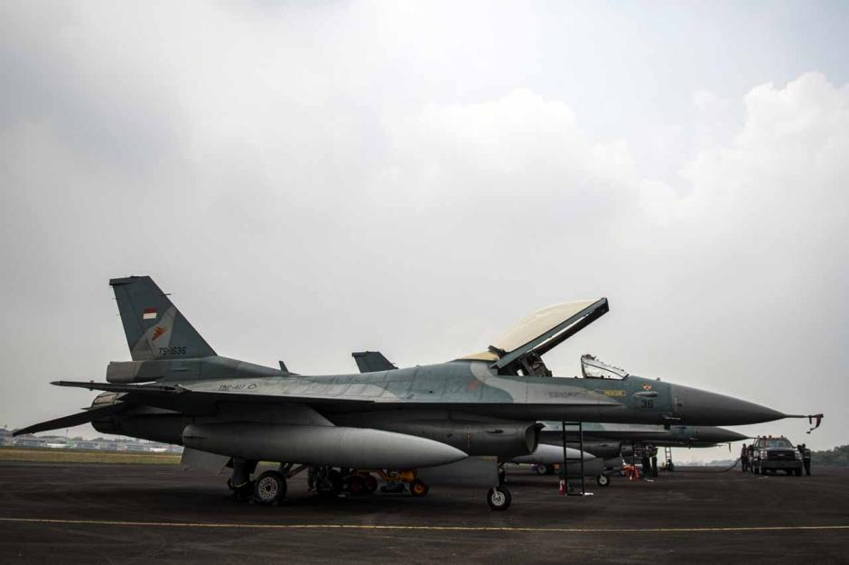 Jelang Latihan Jalak Sakti 2021, Deretan Pesawat Penghancur Terparkir di Lanud SMH Palembang-5