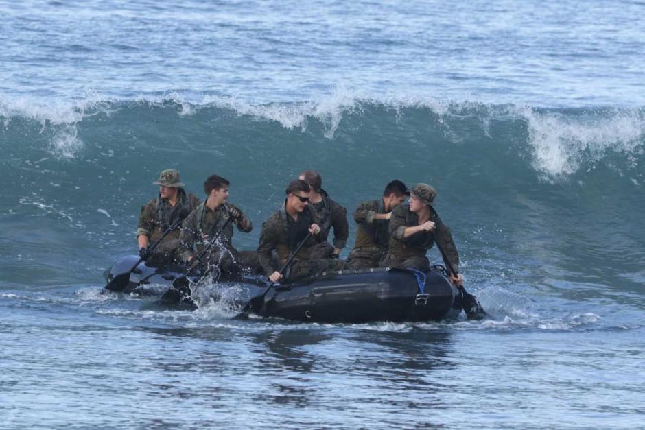 Begini Ketangguhan Prajurit Marinir Indonesia-Amerika saat Latihan Tembus Gelombang-3