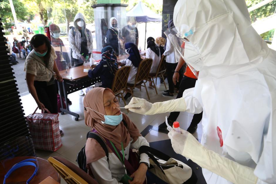 188 Pekerja Migran Terinfeksi Covid-19 yang Tiba Melalui Jalur Bandara Juanda-0