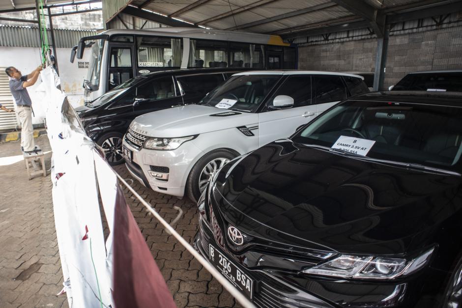 Siap Dilelang, Ini Deretan Mobil Mewah Hasil Sitaan Kasus Dugaan Korupsi PT ASABRI-1