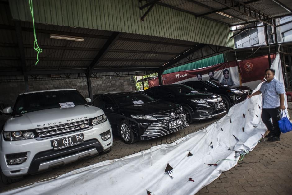 Siap Dilelang, Ini Deretan Mobil Mewah Hasil Sitaan Kasus Dugaan Korupsi PT ASABRI-3