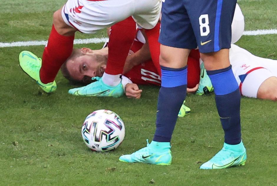 Christian Eriksen Kolaps di Laga Pembuka Grup B Piala Eropa 2020-0