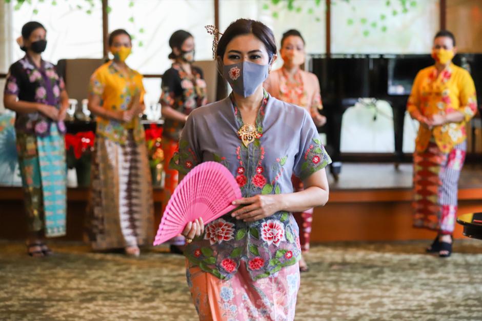 Fashion Show Komunitas Perempuan Pelestari Budaya Sambut HUT ke-494 DKI Jakarta-1