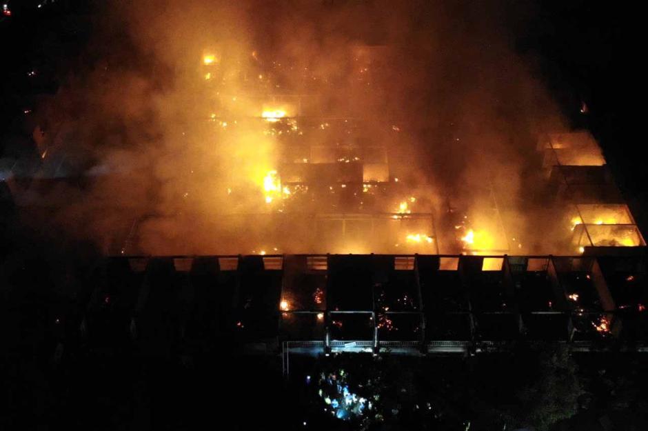 Kebakaran Hanguskan Ratusan Lapak Pasar Umum Blahbatuh Gianyar-1
