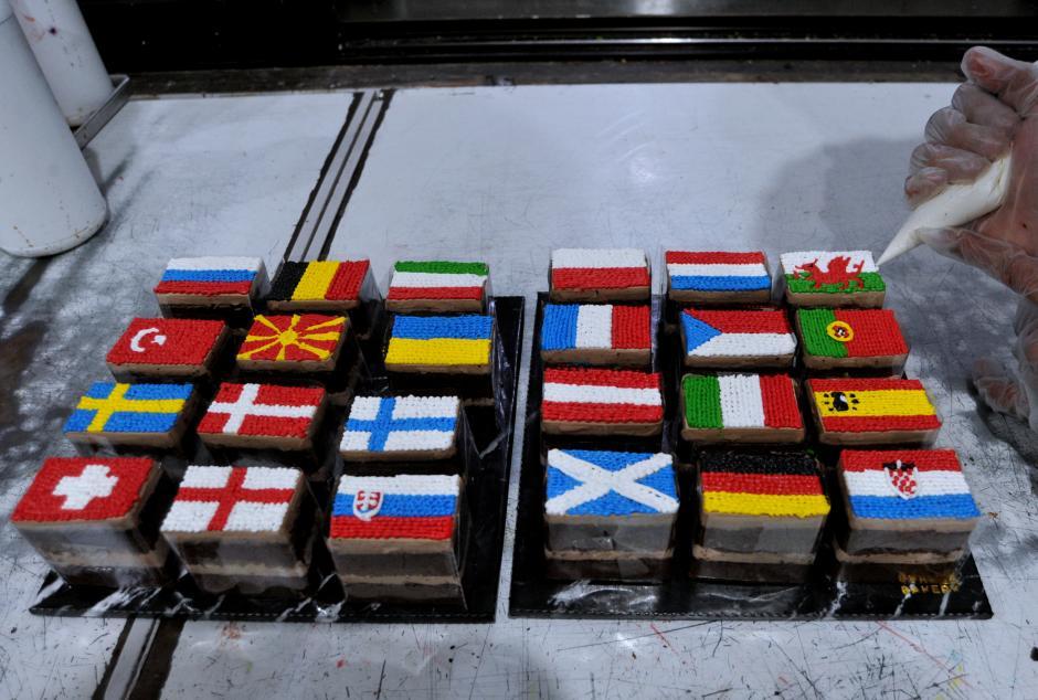 Warna-Warni Kue Bertema EURO 2020-2