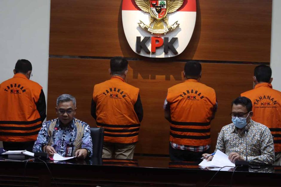 KPK Tahan Empat Mantan Anggota DPRD Jambi-1