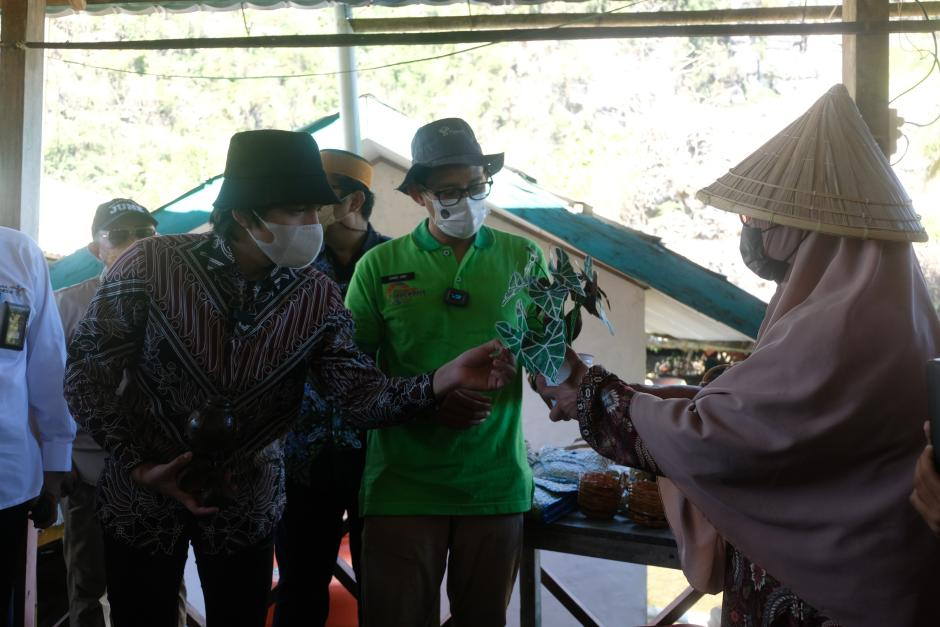 Ditemani Atta Halilintar, Menparekraf Sandiaga Uno Resmikan Desa Wisata Rammang-rammang-4