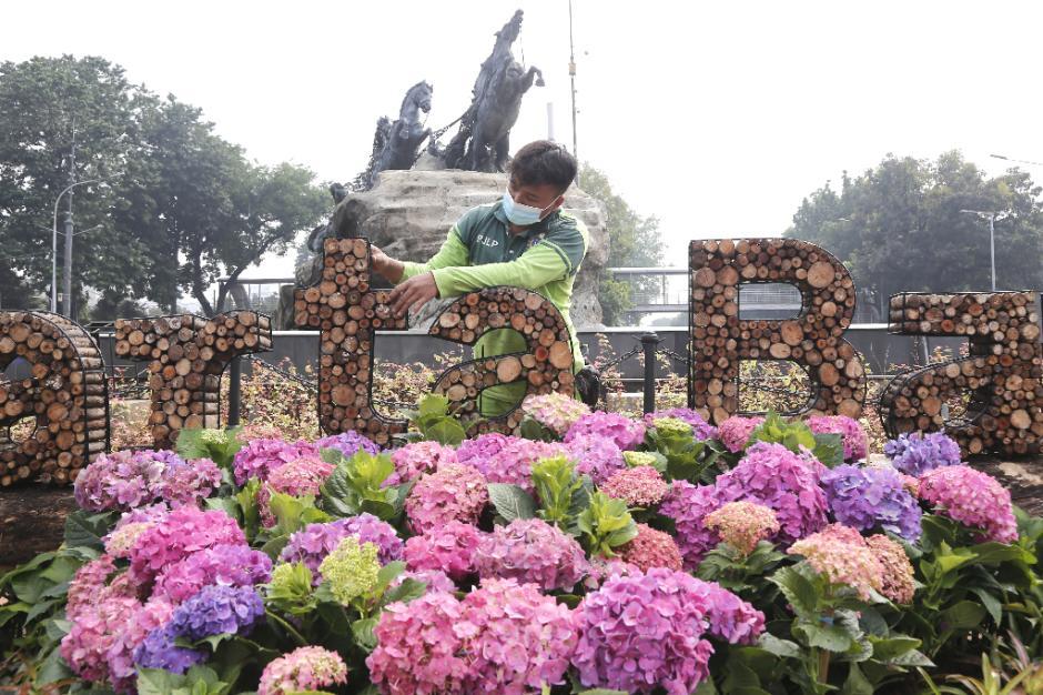 Dekorasi Jakarta Bangkit Hiasi Kawasan Patung Kuda-0