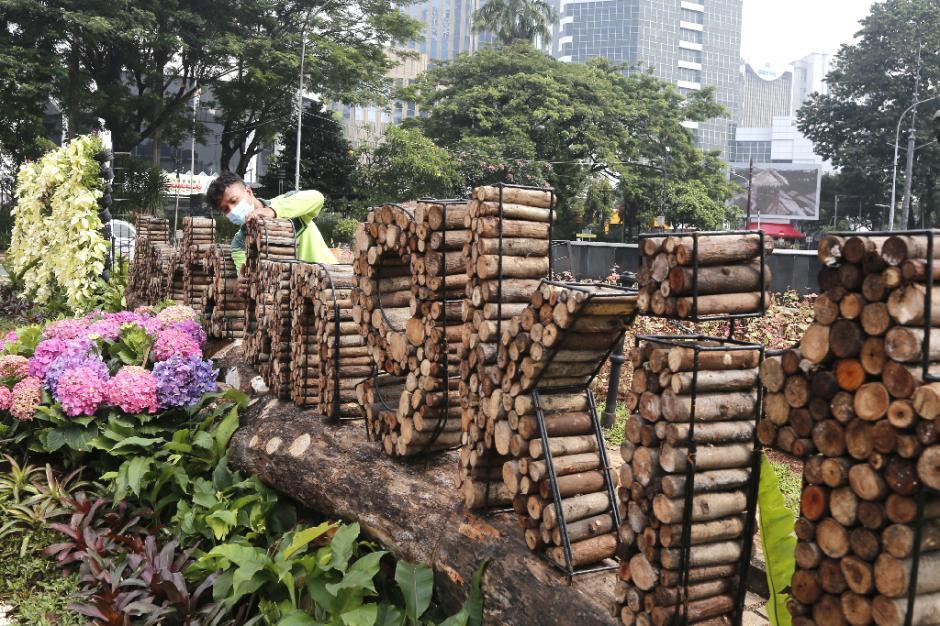 Dekorasi Jakarta Bangkit Hiasi Kawasan Patung Kuda-3