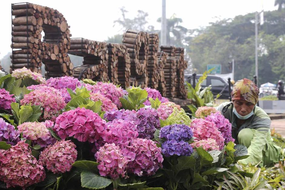 Dekorasi Jakarta Bangkit Hiasi Kawasan Patung Kuda-4